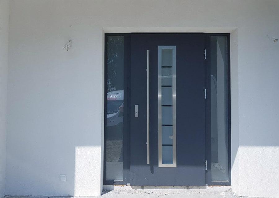 Drzwi wejściowe ze szkłem