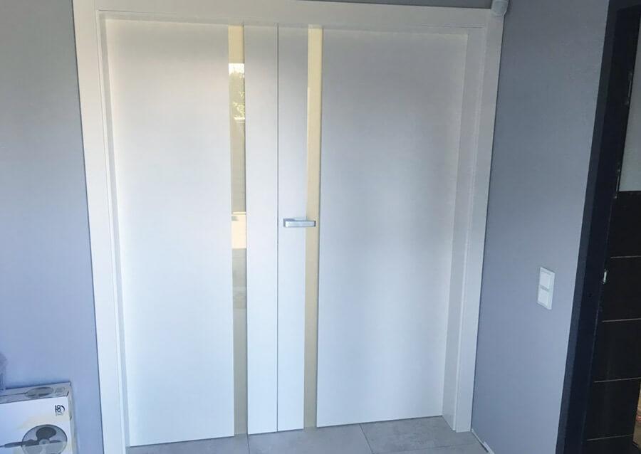 Drzwi wewnętrzne z listwą szklaną